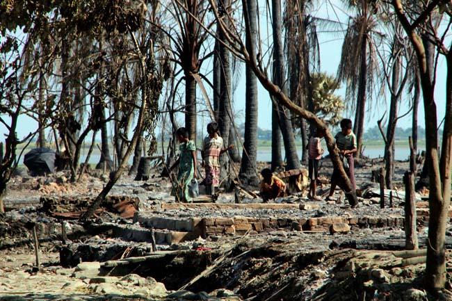 Thaïlande : des camps de détention pour les Rohingyas