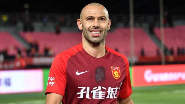 Mascherano, en su último club, con la camiseta del Hebei Fortune (Shutterstock)