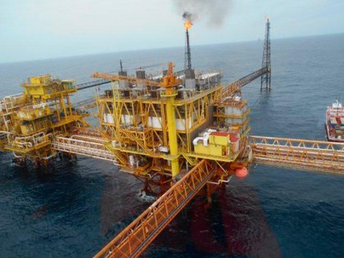 Fueron aceptadas las reformas a la Ley de Hidrocarburos (Foto: EFE)