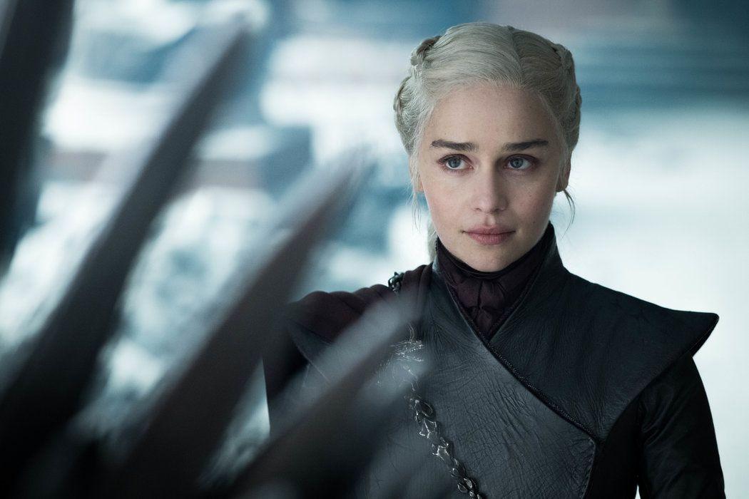 """Emilia Clarke como Daenerys Targaryen en el final de """"Game of Thrones"""" (Helen Sloan/HBO)"""