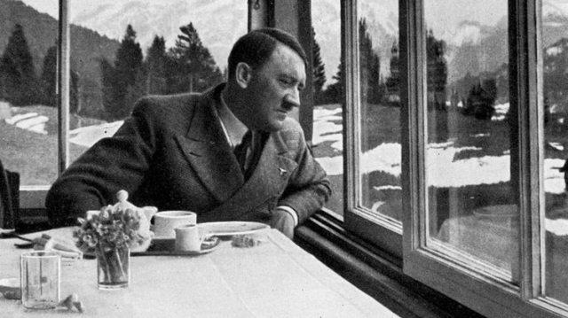 Adolf Hitler: según el testimonio de quien fuera un joven a principios de los 50,tuvo un encuentro con elgenocida en una estancia de la Patagonia