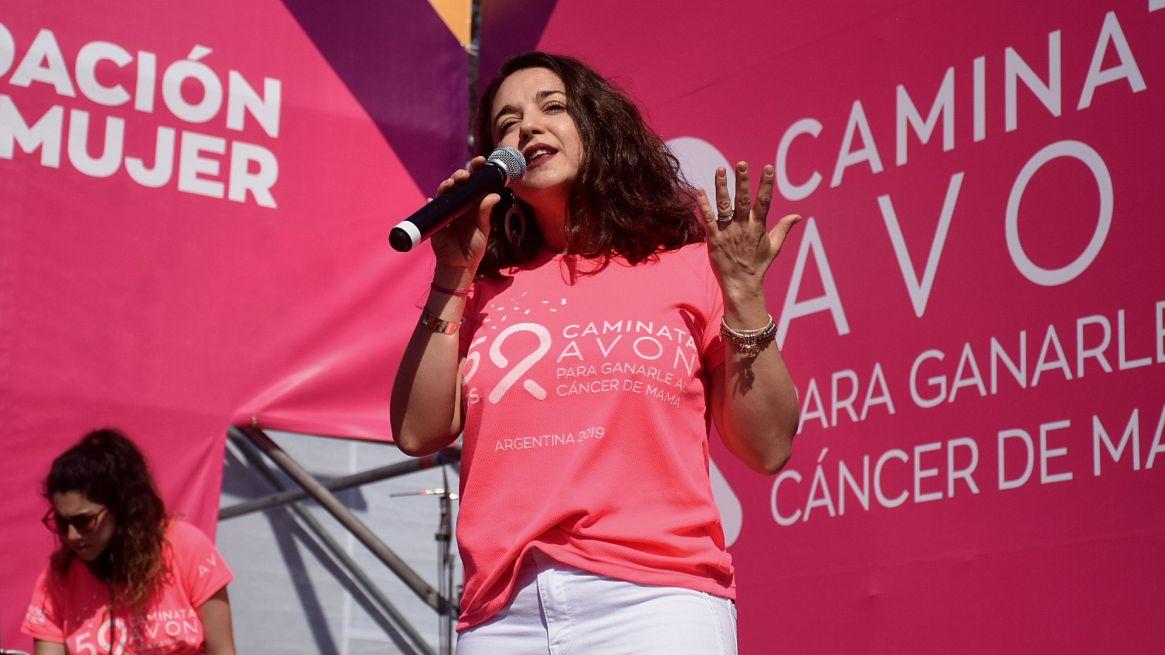 """""""Con esta 15° edición renovamos nuestro compromiso con una de las causas que más afectan a las mujeres. Esta iniciativa busca concientizar sobre la importancia del estudio para detectar la enfermedad, así como también celebrar el camino recorrido hasta ahora"""", expresó Florencia Yanuzzio, directora ejecutiva de Fundación Avon"""