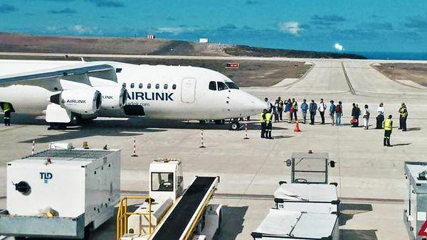 El primer aterrizaje en el aeropuerto