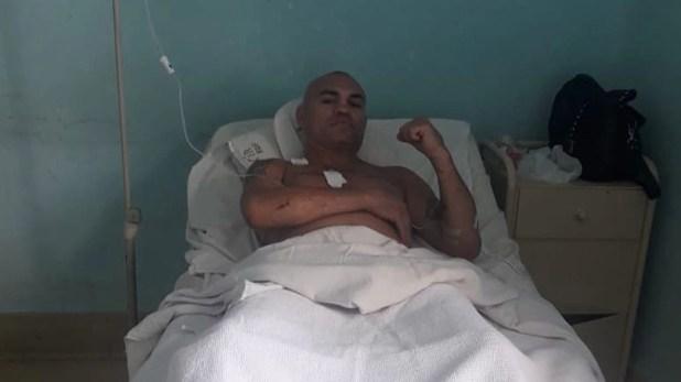 El boxeador La Hiena Barrios fue atacado durante Año Nuevo