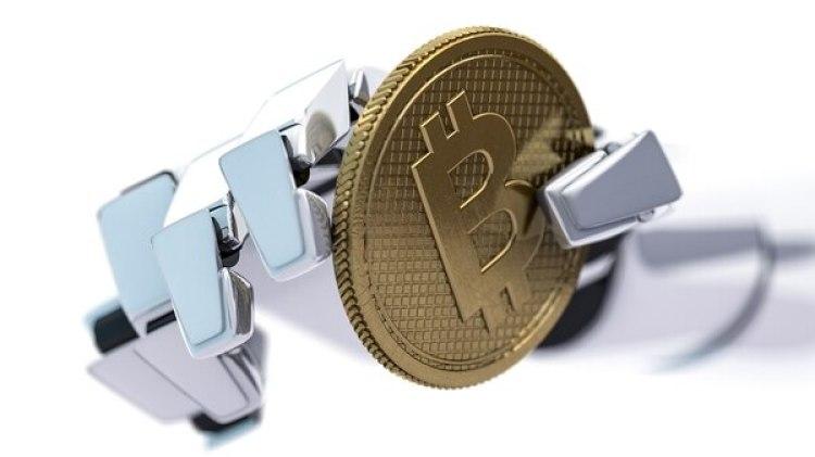 """En el minado oculto o """"cryptojacking"""" se toma poder de cómputo de la computadora del usuario para generar monedas digitales (Getty)"""