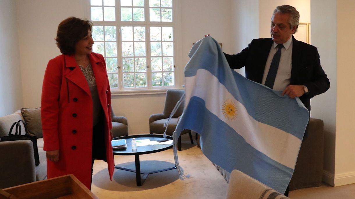 Alberto Fernandez con la gobernadora de Rio Negro Arabella Carrerasv