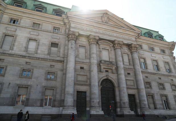 Los productores de soja y trigo alcanzados por una decisión del Banco de la Nación Argentina (Reuters)
