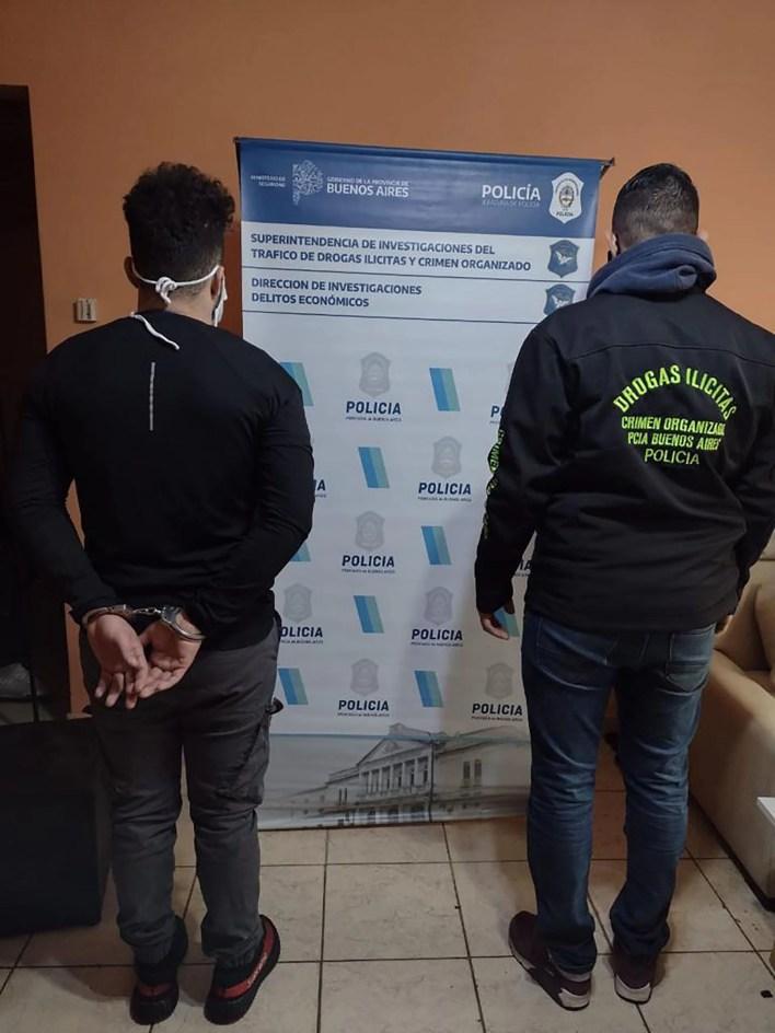 Dos detenidos acusados de una estafa bancaria a una mujer: le robaron un millón y medio de pesos