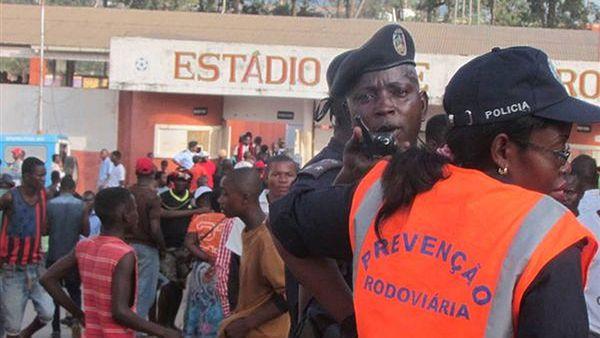 Al menos 17 personas murieron en la avalancha en un estadio de Angola