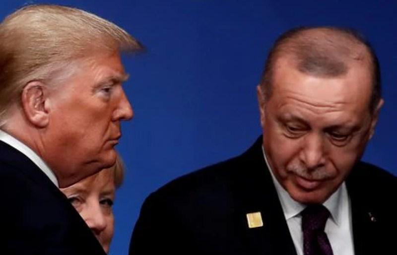 Donald Trump y Tayyip Erdoganen una cumbre de la OTAN. REUTERS/Christian Hartmann/Pool/File Photo