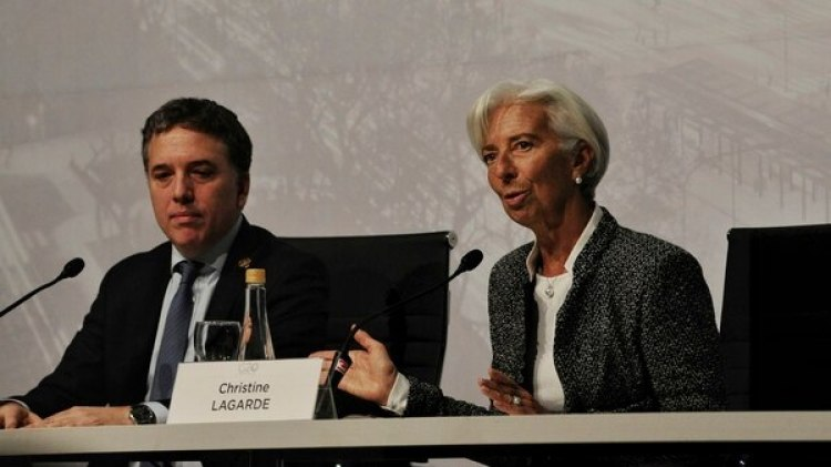 El ministro de Hacienda junto a la titular del FMI Christine Lagarde (Patricio Murphy)