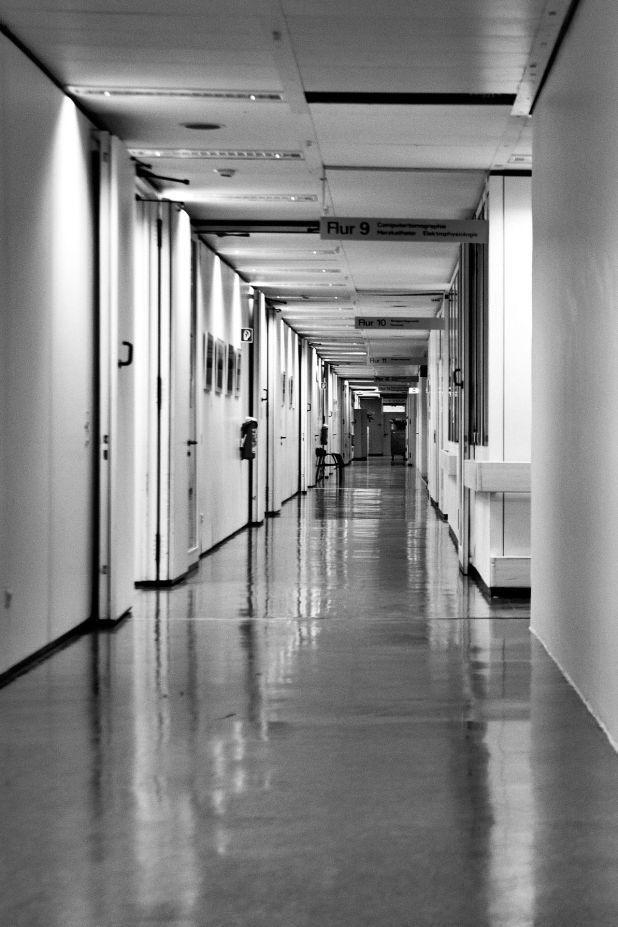 Entre los síntomas señalados por las autoridades sanitarias están: dificultad para concentrarse, pérdida de memoria, nerviosismo, irritabilidad, ansiedad (Pixabay)