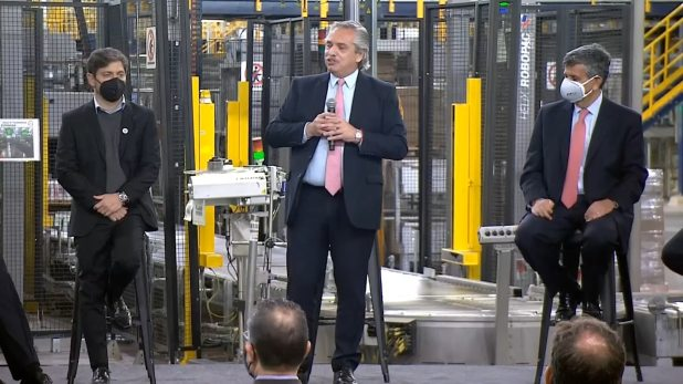 Alberto Fernández encabeza un anuncio de inversiones de la Compañía de Cervecerías Unidas