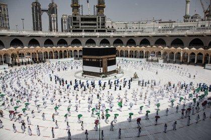 Circunvalación de la Kaaba en la Gran Mezquita de La Meca durante la peregrinación el 29 de julio de 2020. /Saudi Ministry of Media/dpa