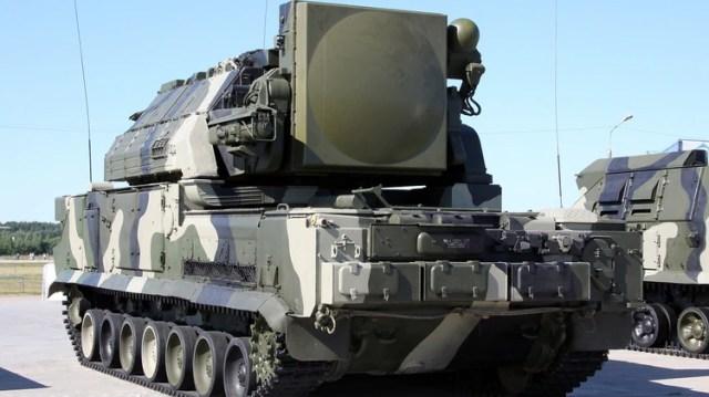 El Tor-M1, de fabricación rusa, es capaz de atacar dos objetivos de forma simultánea