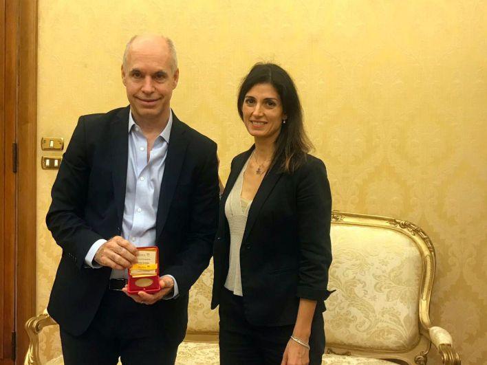 Horacio Rodríguez Larreta junto a la alcaldesa de Roma, en la última actividad oficial del jefe de Gobierno, en Roma