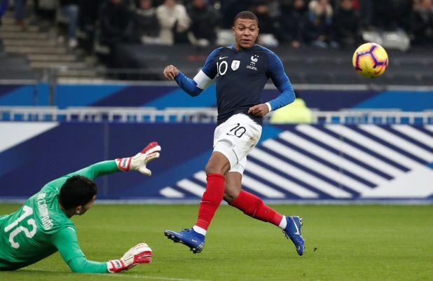 El francés Kylian Mbappe en un duelo amistoso frente a Uruguay. Foto: REUTERS/Benoit Tessier