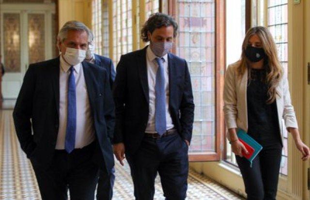 Nicolini junto a Alberto Fernández y  Santiago Cafiero.