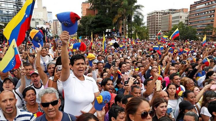 Miles de venezolanos salieron a las calles para protestar contra Nicolás Maduro (REUTERS/Carlos Garcia Rawlins)