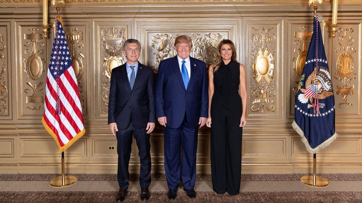Macri, Trump y Melanie, en el cóctel organizado por la Casa Blanca para los mandatarios que participaron de la Asamblea en la ONU