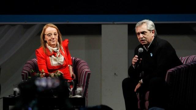 Fernández realizó en Santa Cruz su primer acto como candidato (Télam)