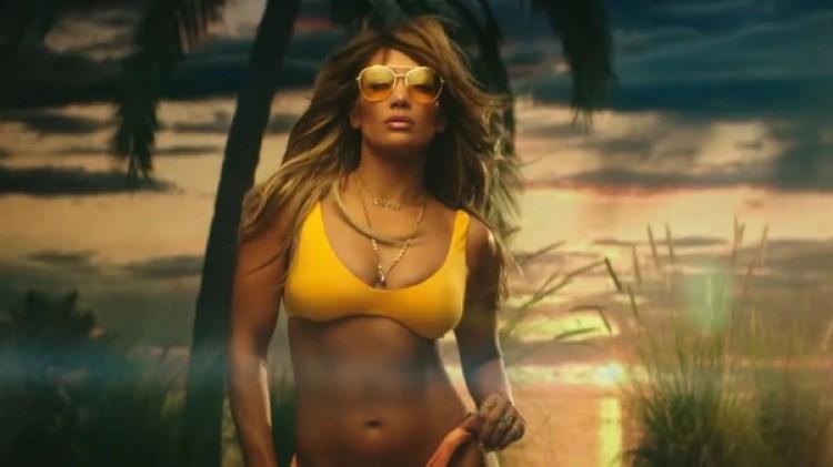 Jennifer Lopez deslumbra en un sensual bikini