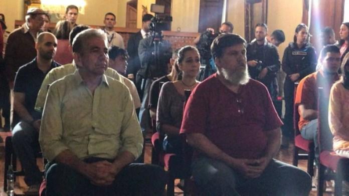 Varios liberados ante la Asamblea Nacional Constituyente