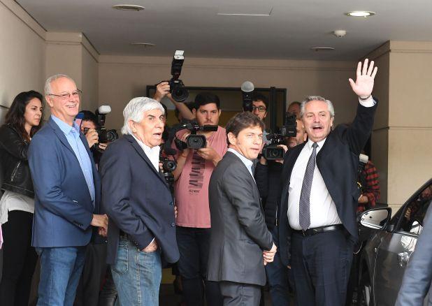 El ministro de Salud bonaerense, Daniel Gollán; Hugo Moyano, Axel Kicillof y Alberto Fernández (Foto: Maximiliano Luna)