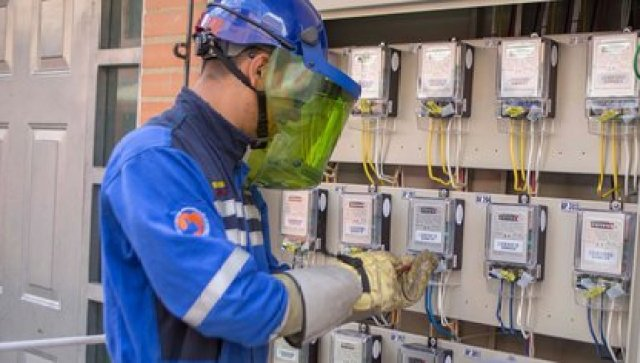 Por reparaciones y mantenimientos el servicio de electricidad será interrumpido en 11 zonas de Bogotá. Foto: Codensa