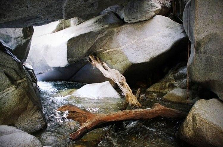 Cueva de sanación de los miedos en Minca, enSanta Marta.
