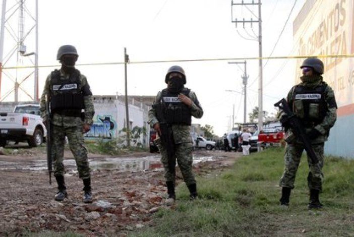 La pelea entre El Cártel de Santa Rosa de Lima y el CJNG arreció tras el asesinato de un abogado de la madre de El Marro (Foto: AFP)