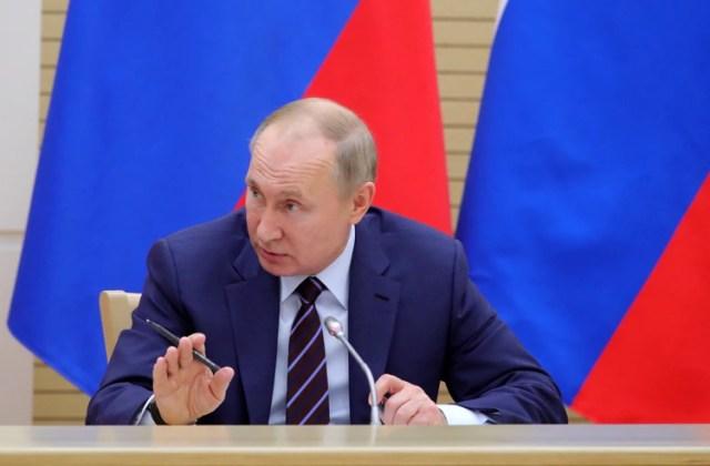El presidente de Rusia, Vladimir Putin, preside la primera reunión del grupo de trabajo que busca modificar la Constitución (Reuters)