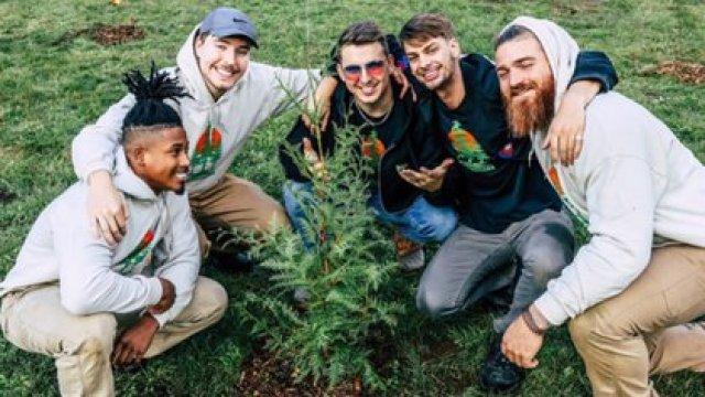 """""""MrBeast"""" celebró sus 20 millones de suscriptores en YouTube con una campaña de reforestación en todo el mundo (Foto: Instagram @mrbeast)"""