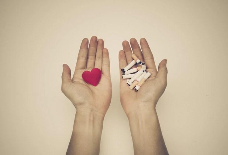 El cuerpo necesita al menos entre 5 y 10 años, y en algunos casos hasta 25, para que el riesgo cardiovascular sea tan bajo como el de una persona que nunca probó un cigarrillo (Shutterstock)