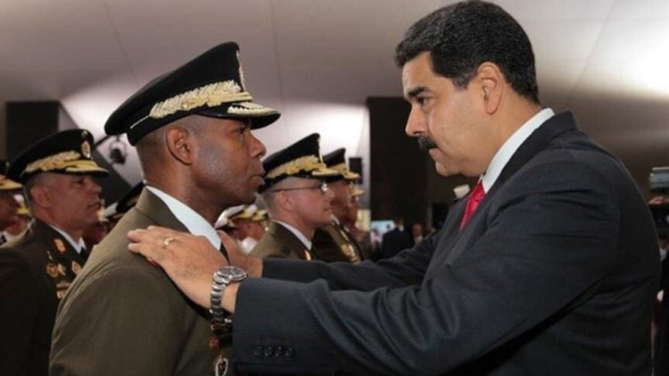 Manuel Ricardo Cristopher Figuera junto a Nicolás Maduro cuando era jefe del Sebin