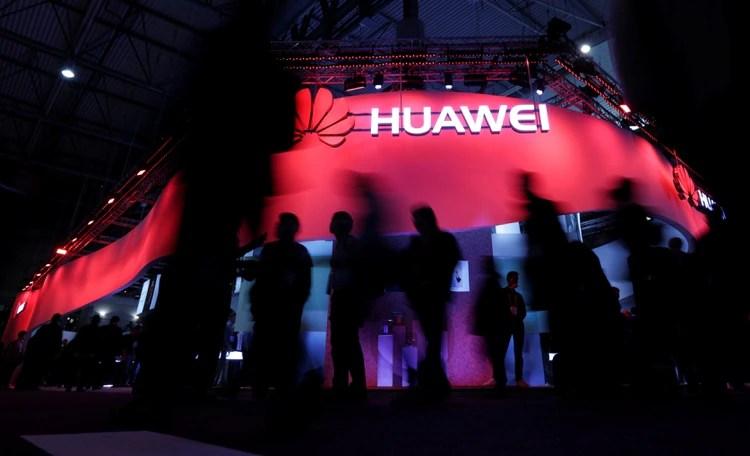 El logo de Huawei en el Word Mobile Congress de Barcelona (REUTERS/Eric Gaillard/archivo)