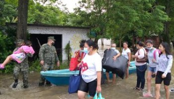 The number of affected communities in Tabasco reached a maximum of 899;  they comprise 99,573 homes and 302,498 people.  8 deceased people are counted