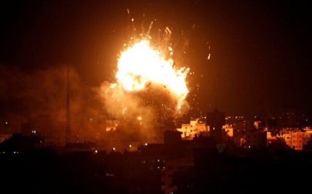 El ataque contra la televisión de Hamas en Gaza City (REUTERS/Ahmed Zakot)