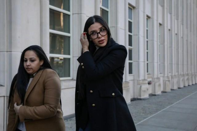Emma Coronel el miércoles ante de ingresar a la Corte (Foto: Reuters)