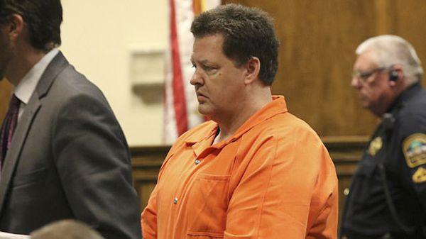 Todd Kohlhepp se declaró culpable y aportó información en la causa, evitando la pena de muerte.Fue condenado a siete cadenas perpetuas sin libertad condicional ni posibilidad de apelación (AP)