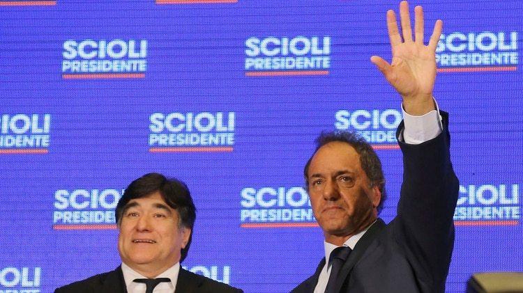 Daniel Scioli junto a Carlos Zannini (NA)