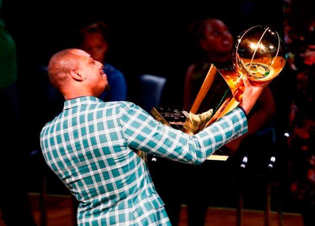 Paul Pierce obtuvo el anillo de la NBA con los Celtics en 2008 (efe)