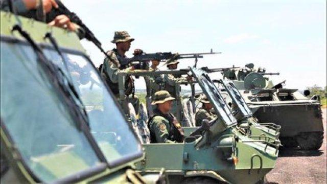 Al menos ocho militares venezolanos murieron desde que comenzó el conflicto armado en la frontera con Colombia