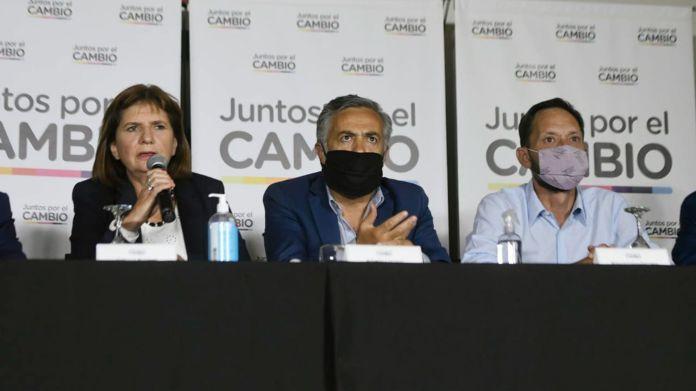 Juntos por el Cambio pidió la interpelación de dos ministros por el vacunatorio VIP