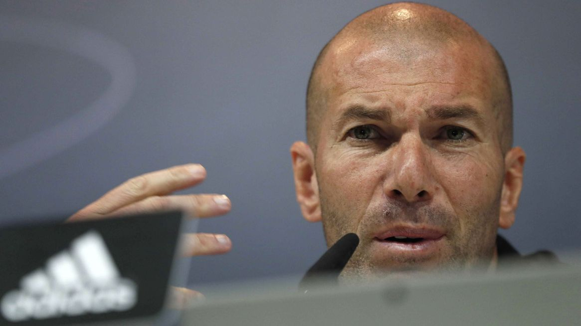 Zidane seguirá teniendo a Keylor Navas en la plantilla (EFE)