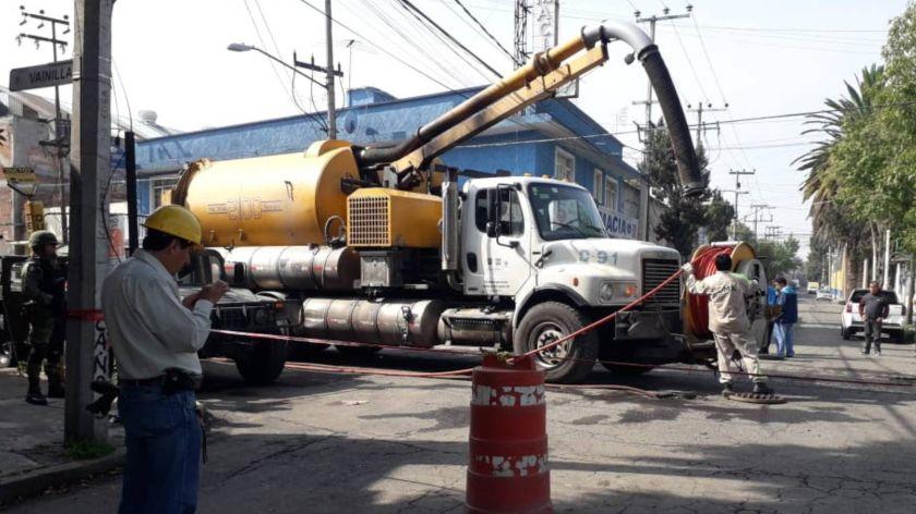 Este fin de semana continuaron con los trabajos en la toma clandestina de combustible (Foto: Cuartoscuro)