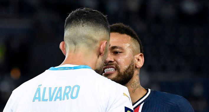 Neymar y Álvaro González habían tenido un escandaloso cruce en la liga francesa y lo revivieron en redes sociales (Foto: EFE)