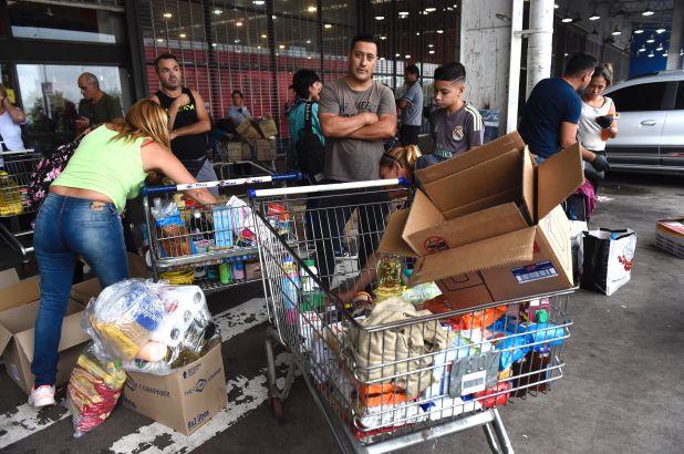 Las compras de stockeo alcanzaron un pico de demanda durante el fin de semana (Marcos Gómez)