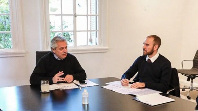 Alberto Fernández y Martín Guzmán en la quinta presidencial de Olivos