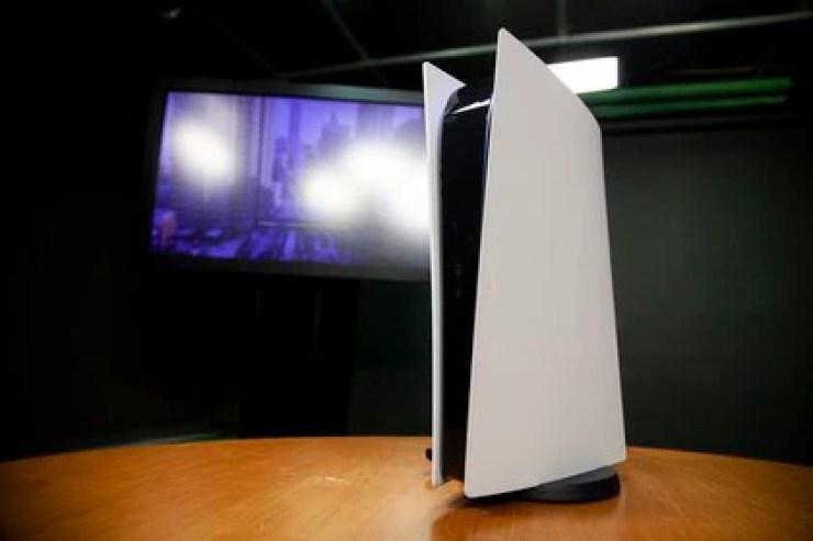La PlayStation 5 incluye el videojuego Astro's Playroom para que los usuarios descubran las novedades del control. Foto: Santiago Saferstein